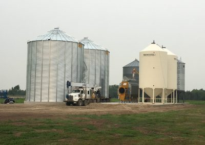 Moving Bins and Grain Dryer/ Lifting Leg System